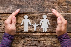 Familiennachzug: Ein neues Gesetz regelt nun, wann Flüchtlinge Angehörige nach Deutschland nachholen dürfen.