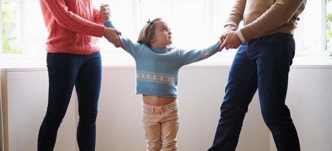 Kinderrechte im BGB: Laut § 1631 müssen Eltern ihre Kinder gewaltfrei erziehen.