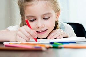 Im Ehevertrag kann auch das Sorgerecht für die Kinder geklärt werden, falls es zur Trennung kommt.