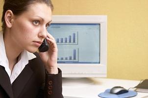 Elterngeld: Am Telefon erhalten Sie bei den Beratungsstellen weitere Infos.