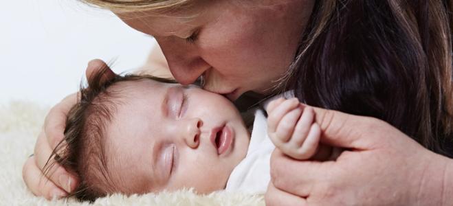 Was besagt die gesetzliche Regelung zur Elternzeit? In diesem Ratgeber finden Sie die Antwort.