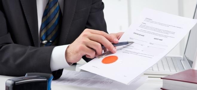 Welche Auswirkungen es hat, wenn Sie im Ehevertrag die Gütertrennung vereinbaren, erfahren Sie in diesem Ratgeber.