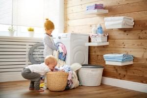 Kinderarbeit: Weltweit arbeiten Kinder und Jugendliche unter anderem als Hausmädchen.