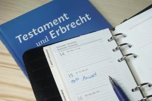 """Das Testament wird auch als """"letzter Wille"""" bezeichnet."""