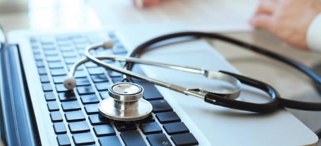 Liegt eine rechtskräftige Patientenverfügung vor, ist diese für die zuständigen Ärzte bindend.