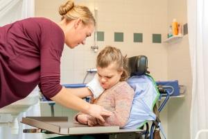 Pflegegrad 1: Die Körperpflege ist einer der Punkte, die begutachtet werden.