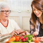 Welche Unterstützung erhalten pflegende Angehörige? Unser Ratgeber klärt auf!