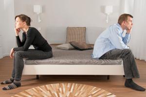 Scheidung einreichen: Der Antrag geht an das zuständige Familiengericht.