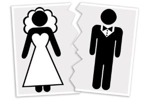 Bei einer Scheidung kann die Familienberatung das Augenmerk wieder auf die gemeinsamen Kinder lenken.
