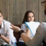 Die Scheidungsberatung lässt sich in verschiedene Phasen bzw. Beratungsschritte unterteilen.