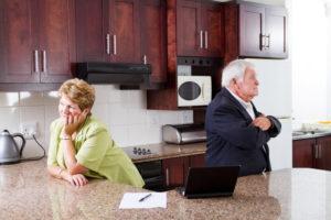 Verstehen Sie sich als Ehepaar nicht mehr, kann eine Trennung auch nach 20 Jahren Ehe oder mehr angestrebt werden.