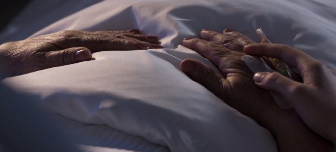 Was ist Palliativpflege und welche Kosten fallen dafür an? Antworten liefert unser Ratgeber.