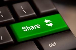 """Filesharing: Die Bedeutung des englischen Wortes lautet übersetzt """"Dateien teilen""""."""