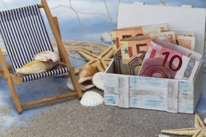 Anspruch auf Erstattung: Flugverspätung bei einer Pauschalreise ist als Reisemangel zu bewerten.