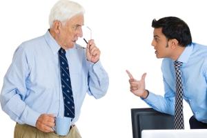 Unklare Formulierungen im Arbeitszeugnis müssen kein Grund für Streit sein.