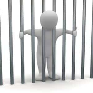 Eine Freiheitsstrafe wird bei schweren Straftaten im Strafrecht verhängt