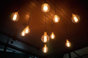 Wann können Sie sich durch eine fristlose Kündigung von Ihrem Stromanbieter trennen?
