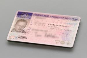 Führerschein und Promillegrenze hängen zusammen: Gefährden Sie den Verkehr, ist er weg.
