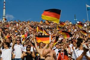 Für Veranstaltungen im Fußball ist das Public Viewing sehr beliebt.
