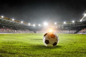 Fußball-Tickets auf dem Schwarzmarkt kaufen: Die Preise sind meist enorm.