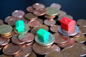 Geld und Häuser - seitlich