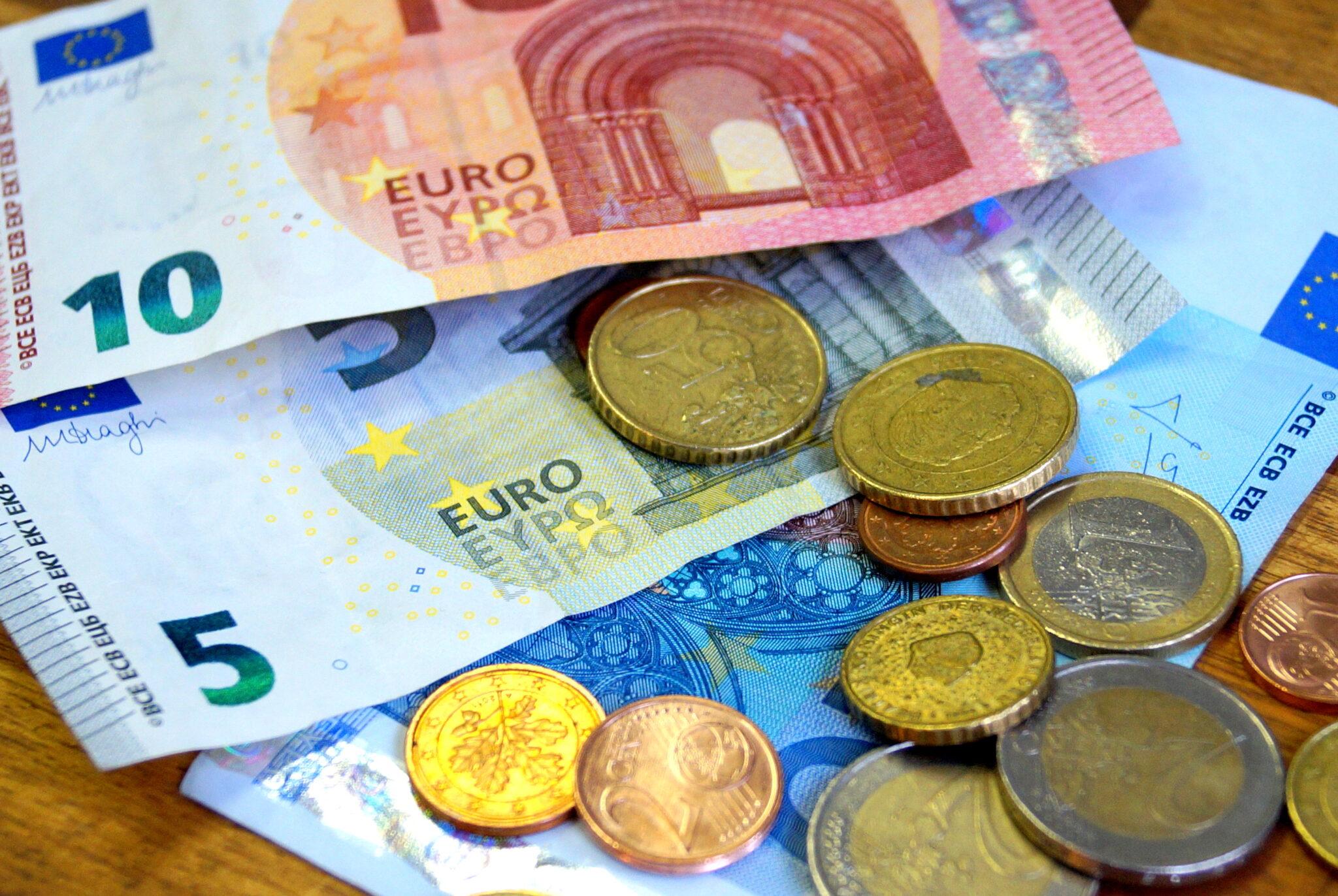 Geldscheine und  Münzen - Nahaufnahme