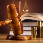Höheres Bußgeld oder Geldstrafe statt Fahrverbot? Lesen im Ratgeber mehr zur Fahrerlaubnismaßnahme.