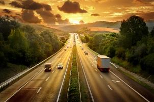 Örtliche Geschwindigkeitsbegrenzung aufgehoben: Wie schnell dürfen Sie jetzt fahren?