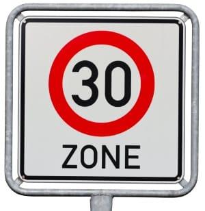 Geschwindigkeitsüberschreitung in der 30er-Zone: Geblitzt mit 50 km/h?