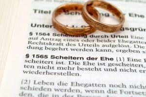 Gütertrennung: Laut Familienrecht bleibt der Unterhalt vom Güterstand unberührt.