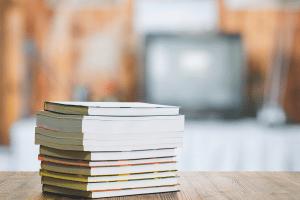 Empfängern von Hartz-IV stehen die Kosten für Schulbücher zu.