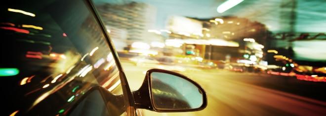 Was droht bei Überschreitung der zulässigen Höchstgeschwindigkeit innerhalb geschlossener Ortschaften?