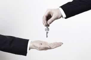 Erben können sich gegenseitig die Anteile an Immobilien einer Erbengemeinschaft auszahlen.