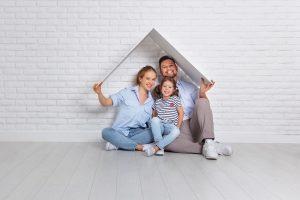 Endlich in die eigenen vier Wände: Dank Immobilienkredit wird der Wunsch wahr.