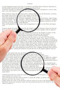 Wichtige Inhalte im Arbeitsvertrag: Kündigungsfristen sollten nicht fehlen.
