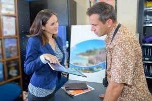 Die Insolvenz von einem Reisebüro kann zu Problemen mit dem Veranstalter führen.