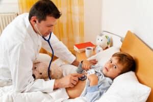 Das Jugendamt sollte eingreifen, wenn die körperliche Unversertheit des Kindes - z. B. bei Vernachlässigung - gefährdet ist.