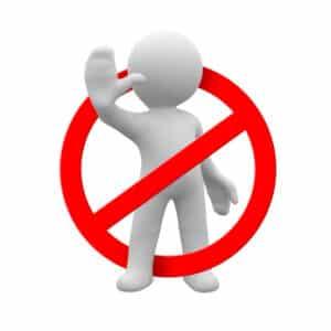 Die Kampfhundeverordnung des Bundeslandes besagt, welche Regeln für die Haltung gelten.