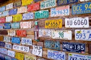 Einige Fahrzeuge, wie Oldtimer, bekommen laut der FZV besondere Kennzeichen