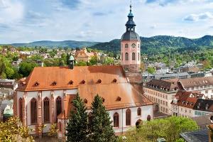 Kirchenasyl schützt illegal in Deutschland Lebende nicht vor Strafverfolgung.