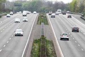 Auf Kraftfahrstrassen gelten ähnliche Regeln wie auf Autobahnen.