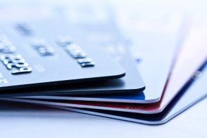 Bei einer Kreditkarte gewährt Ihnen die Bank ein kurzfristiges Darlehen.