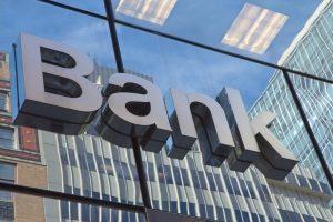 Die Kreditzinsen können sich je nach Bank stark unterscheiden.