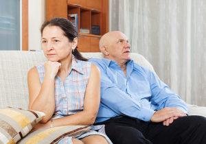 Eine Kurzzeitpflege (auch ohne Pflegestufe) kann Angehörige entlasten.