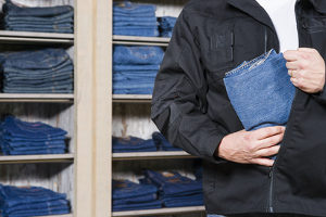 Ladendiebstahl: Das Strafmaß ist niedriger als das eines Wohnungseinbruchsdiebstahls.