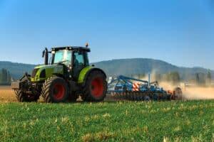 Die Landwirtschaft dient dazu, die Bevölkerung mit Nahrungsmitteln zu versorgen