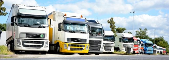 Lkw-Bußgeldkatalog: Auf Fahrer schwererer Kfz können oftmals strenge Sanktionen zukommen.