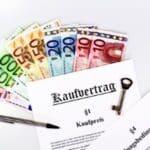 Die Maklercourtage beim Kauf zahlt entweder der Käufer oder Verkäufer.