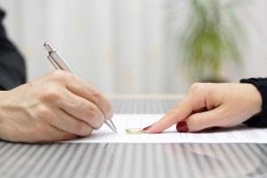 In einem Maklervertrag sollten alle Leistungen festgehalten sein.