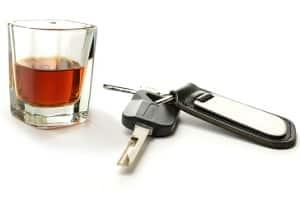 Max. Promille am Steuer? Fahranfänger dürfen nicht trinken, wenn sie noch fahren wollen.